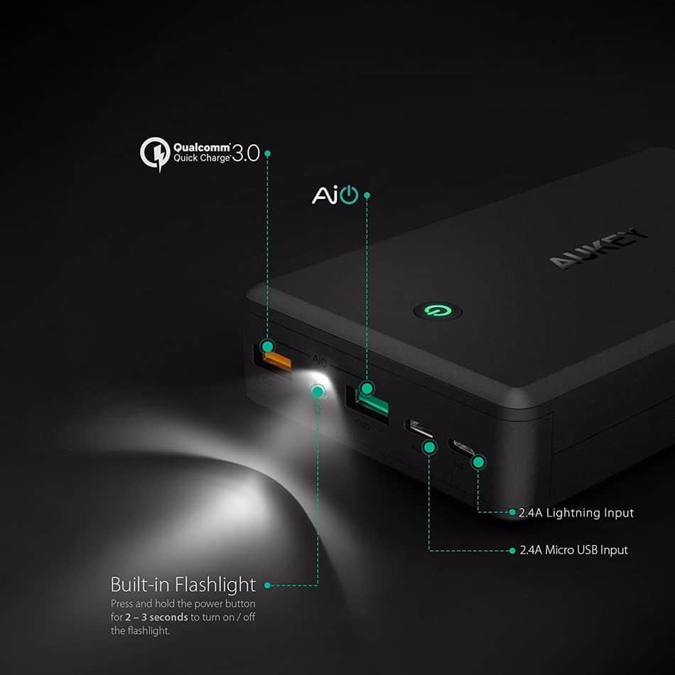 aukey 30000mah power bank T11